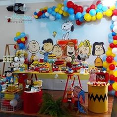 Festa Infantil /Fabiola Teles (@encontrandoideias) • Fotos e vídeos do Instagram Peanuts Gang Birthday Party, Snoopy Birthday, Snoopy Party, My Son Birthday, 1st Birthday Parties, Peanut Baby Shower, Pumpkin Decorating, Birthday Balloons, Balloon Decorations