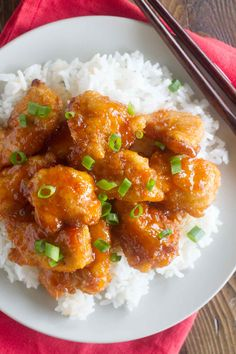 Skip the take out – this Sweet and Sour Chicken Recipe is so good that you'll put it on the permanent rotation. Chicken is coated in a sweet and sticky sauce and baked to perfection. Asian Recipes, Healthy Recipes, Chinese Recipes, Chinese Food, Ethnic Recipes, Easy Teriyaki Chicken, Sweet Sour Chicken, Mets, Chicken Recipes