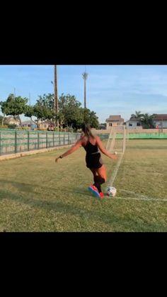 Soccer Videos, Gymnastics Videos, Soccer Tips, Soccer Practice Drills, Football Training Drills, Soccer Skills For Kids, Girl Playing Soccer, Football Tricks, Soccer Motivation