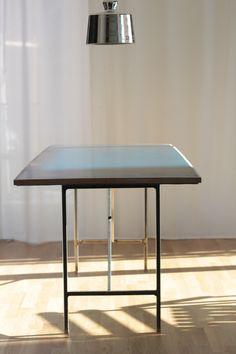 Dai un'occhiata! Table, Furniture, Home Decor, Homemade Home Decor, Tables, Home Furnishings, Interior Design, Home Interiors, Desk