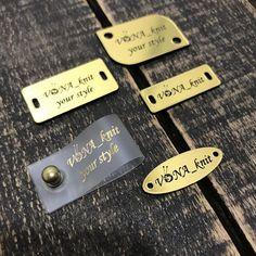 """Бирки/Этикетки/Лейблы/Шильдики on Instagram: """"Шильдики из металлопластика - это простой путь придать Вашим изделиям заключительный штрих и сделать их более востребованными у…"""" Personalized Labels, Dog Tags, Dog Tag Necklace, Your Style, Wallet, Knitting, Accessories, Jewelry, Jewlery"""