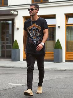 Kosta Williams is wearing the Chelsea boots which is the only...