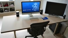 This DIY Whiteboard Desk Makes for Quick Notes and Brainstorming