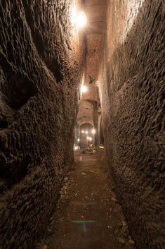 Secret banqueting hall hidden beneath the streets of Liverpool Liverpool Life, Liverpool History, Home History, British History, Underground Living, Nostalgic Pictures, Tunnel Of Love, Interesting Buildings, Ancient Ruins