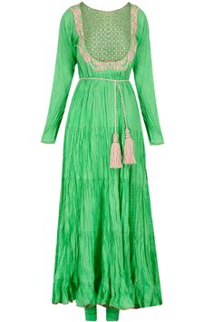 Green crushed embroidered kurta set available only at Pernia's Pop-Up Shop.