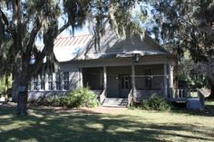 The Historic Schoolhouse In Alabama That's Now A Restaurant You'll Definitely Want To Visit