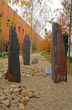 Landscape Architecture, Spain, Plants, Ideas, Rockery Garden, Natural Stones, Chalkboard, Gardens, Studio