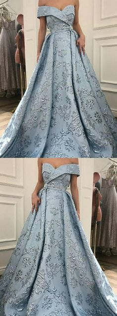 Unique Prom Dress A-Line Off-the-Shoulder Sweep Train Light Blue Printed Evening Schulterfrei Sweep Zug Hellblau bedrucktes Abendkleid # promdress # graduationdress # abendkleid # kleider # kleider Elegant Bridesmaid Dresses, Unique Prom Dresses, Prom Dresses With Sleeves, A Line Prom Dresses, Cheap Dresses, Pretty Dresses, Light Blue Prom Dresses, Dress Prom, Light Blue Wedding Dress