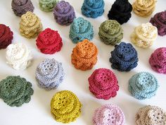 kind of obsessed with these little crocheted flowers...