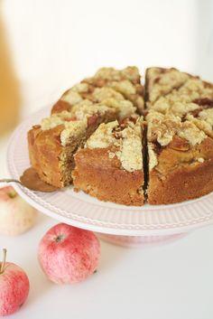 Simppeli omena-kaurakakku - Lunni leipoo My Cookbook, Desert Recipes, No Bake Desserts, Deli, Nutella, Sweet Recipes, Oreo, Bakery, Sweet Treats