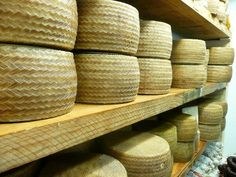 RT @CexcomanGourmet Manchego Cheese, quality and tradition pic.twitter.com/VZuQ7FAOOM #food #Spain
