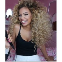 Love her curls so much   Samanthalmrxo ✨