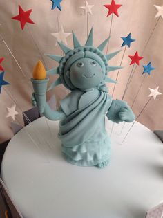 Statue of Liberty Cake Topper by The Little Bird Cakery