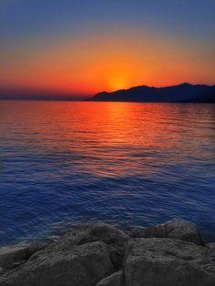 Sunset in Baska Voda, Croatia by Stefan Schnöpf / 500px
