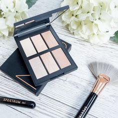 My latest blog post is about the @narsissist Bord de Plage palette ! Link in Bio  . . . . #beauty #nars #narsborddeplage #spectrum #spectrumcollections #highlight #rosegold #flatlay #makeup #instamood #instamakeup #instabeauty #love #mua #cute #makeuplove #makeupporn #makeupmafia #makeuplover #discover #bblogger #makeupbrushes #bronze #flowers