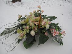 Coș cu Orhidee Verde cu livrare în #Moldova Floral Wreath, Wreaths, Artist, Plants, Home Decor, Green, Decoration Home, Room Decor, Planters