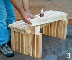 These two easy projects will add flair to your backyard. Deck bench and matching planter with trellis. Wooden Projects, Easy Projects, Home Projects, Wood Crafts, Backyard Projects, Decor Crafts, Pallet Furniture, Furniture Projects, Furniture Decor