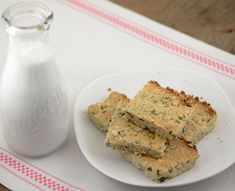 paleo breakfast bars #paleo #diet #recipes #food paleoaholic.com