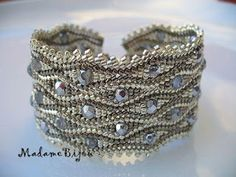 madame bijou: bracelets Beaded Bracelets Tutorial, Seed Bead Bracelets, Gemstone Bracelets, Jewelry Bracelets, Handmade Jewelry Tutorials, Handcrafted Jewelry, Jewelry Patterns, Bracelet Patterns, Sequin Crafts