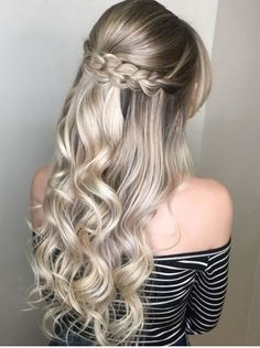 Most recent Photo Dutch Braid Tutorial for 2019 Latest Season A Dutch braid has much in common. Style Dutch Braid Tutorial for 2019 Latest Season A Dutch braid has much in common with French braids French Braid Hairstyles, Romantic Hairstyles, Box Braids Hairstyles, Hairstyle Ideas, French Braids, Short Hairstyles, Teenage Hairstyles, Dance Hairstyles, Gorgeous Hairstyles