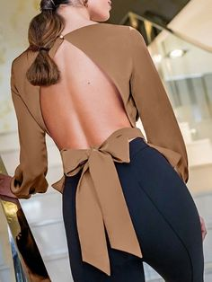 Solid Bowknot Design Open Back Blouse We Miss Moda is a leading Women's Clothing Store. Offering the newest Fashion and Trending Styles. Mode Outfits, Trendy Outfits, Fashion Outfits, Mode Top, Shirt Blouses, Shirts, Blouses For Women, Ladies Blouses, Mode Style