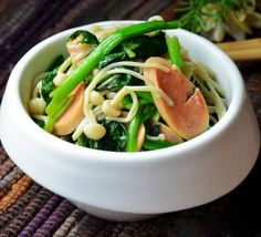 Fried Spinach and Enokitake with Ham
