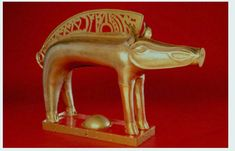 Boar figurine. Gallic emblem, 55 CM long - brass - Archaeological Museum of Soulac-sur-Mer, Gironde.