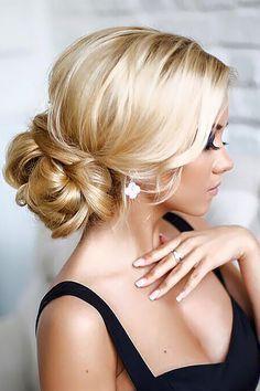 24 Gorgeous Wedding Bun Hairstyles ❤ See more: http://www.weddingforward.com/wedding-bun-hairstyles/ #weddings #hairstyles #updos #weddinghairstyles