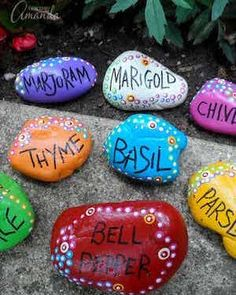 Start by painting smooth rocks. the results are BEAUTIFUL! Pretty painted rock garden markers for your herb, flower, or veggie garden. Rock Painting Patterns, Rock Painting Ideas Easy, Rock Painting Designs, Diy Painting, Painted Garden Rocks, Painted Rocks Craft, Painting Rocks For Garden, Garden Labels, Plant Labels