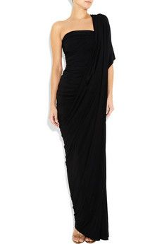 Absolutely NO one shoulder dresses at my wedding. I personally think they are ugly and dont flatter ANYONE! UGHHHHHHH!