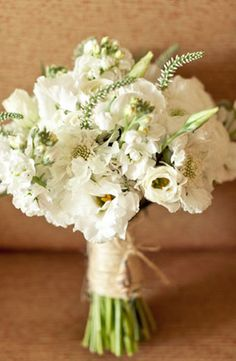 Lovely ivory white florals flowers. Photo by Erin Hearts Court.