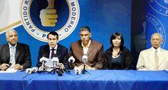 De izq. a der.,Andres Bautista Garcia presidente del Partido Revolucionario Moderno (PRM), Orlando Jorge Mera, Jesus -Chu- Vasquez Martinez, Geanilda Vasquez Almazar y Rafael Montilla.