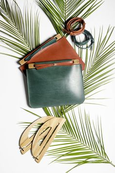 meet Dcember bags: designed in Belgium, made in Italy, beautifully crafted to last a lifetime. And the best part? You can customize your Dcember bag to your own liking. When Antwerp based designer F...