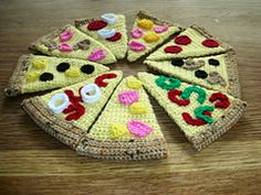 Ravelry: Pizza pattern by Catherine Bligh
