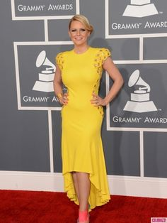 Modest Fashion at the Grammys: Carrie Keagan, who keeps it classy with a high-low dress.