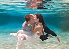 A unique experience of an underwater wedding in The Bahamas.