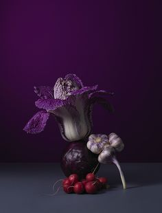 Carl Kleiner still life food photography Dark Food Photography, Still Life Photography, Amazing Photography, Fruit Trees In Containers, Ideas Prácticas, Fruit Decorations, Fruit Print, Food Displays, Still Life