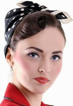 Vintage bandana hairstyles – pin-up girl, Rosie the Riveter, or rockabilly-inspired looks. Vintage bandana hairstyles – pin-up girl, Rosie the Riveter, or rockabilly-inspired looks. Bandana Vintage, Pin Up Vintage, Look Vintage, Vintage Short Hair, Retro Vintage, Moda Rockabilly, Looks Rockabilly, Rockabilly Fashion, Rockabilly Makeup