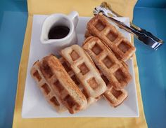 Healthy Breakfast Recipes: Protein Waffles made with Premier Protein Shakes - Health and fitness - Premier Protein Shakes, Best Protein Shakes, Protein Powder Recipes, High Protein Recipes, Healthy Protein, Healthy Eats, Low Carb Breakfast, Healthy Breakfast Recipes, Breakfast Ideas