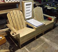 Adirondack bench is usually used for placing outdoors and it is a great piece of upcycled wood pallet furniture to place in the lawn for enjoying the summer season with the cold drinks as the space for the box is available in the idea shown here.