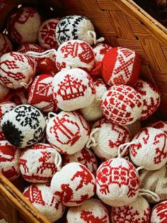 Christmas Decorations Knitting Patterns | Knitting patterns ...