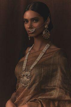 Silver Necklace For Girl Ethnic Fashion, Asian Fashion, Pretty People, Beautiful People, Indiana, Indian Aesthetic, Indian Photoshoot, Markova, Indian Bridal Fashion