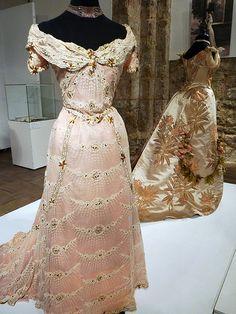 Victorian Era Fashion by Tania Ho, via Flickr