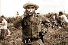 Che Guevara drinking coffee.