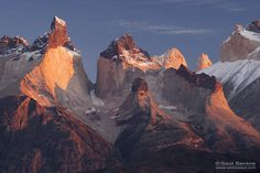 Amanecer en Los Cuernos, Parque Nacional Torres del Paine, Patagonia Chilena Saul Santos Diaz - photographer