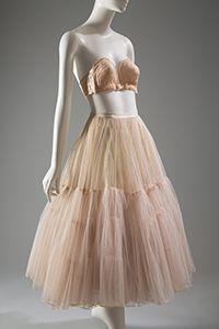 Poirette overwire bra: nylon lace, stretch satin (1949) Christian Dior petticoat: nylon net, horsehair net, silk taffeta (1951)