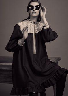 See the complete Rossella Jardini Pre-Fall 2017 collection.
