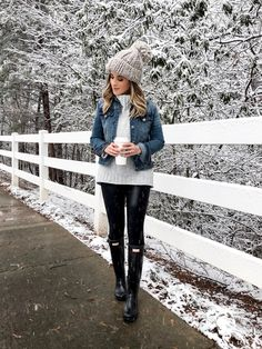 35 Glamorous Winter Outfits That Always Looks Fantastic Winter Outfits For Work, Winter Outfits Women, Casual Winter Outfits, Fall Outfits, Fashion Outfits, Rainy Day Outfit For Fall, Snow Day Outfit, Outfit Winter, Winter Boots