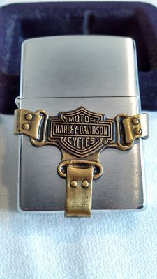 """Free: Harley Davidson Zippo lighter """"new"""" - Other Collectibles Zippo Harley Davidson, Motor Harley Davidson Cycles, Cool Lighters, Cigar Lighters, Zippo Usa, Zippo Collection, Tobacco Pipe Smoking, Smoking Accessories, Zippo Lighter"""