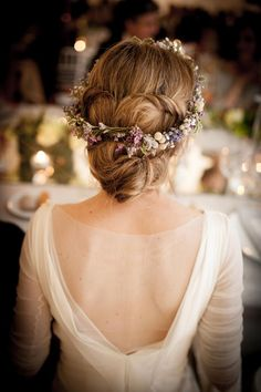 Penteado para noivas com flores